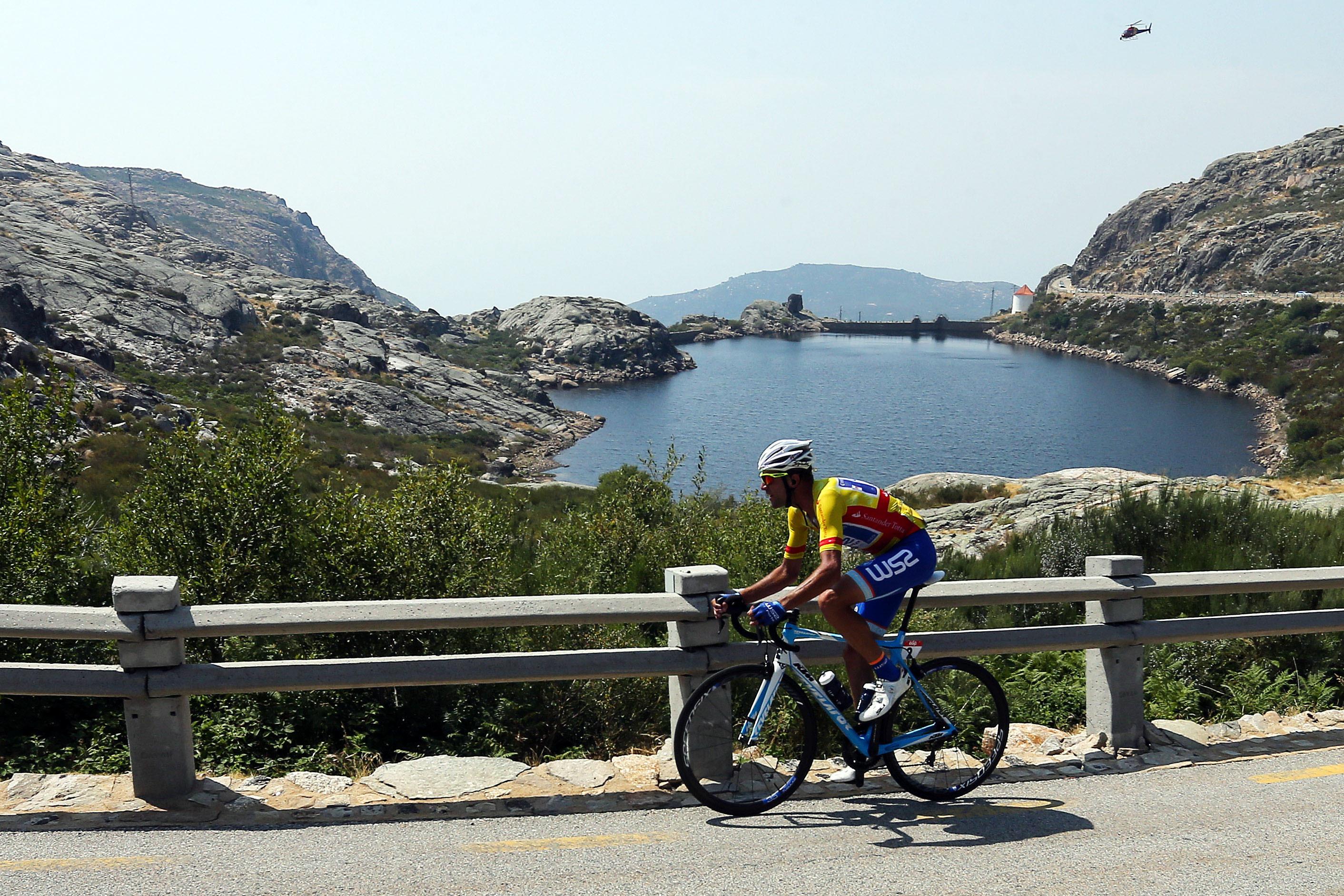 Bicicleta do vencedor da Volta a Portugal de 2017 leiloada por mais de 3.500 euros