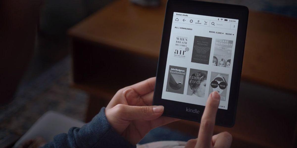 O novo Kindle Paperwhite da Amazon é mais fino e pode ir ao banho
