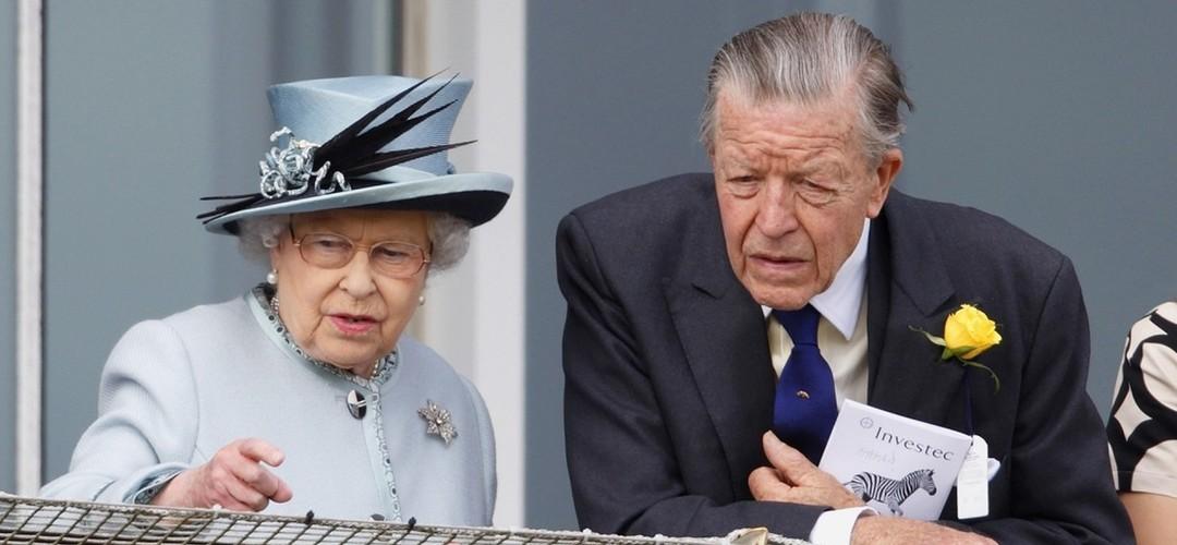 No dia do funeral de Philip, morreu conselheiro e amigo de rainha Isabel II