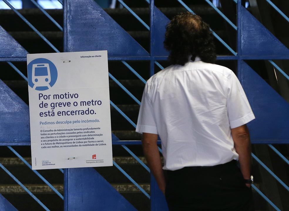 Trabalhadores do Metro de Lisboa impedidos de fazer greve no posto de trabalho