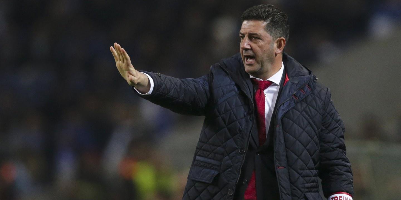 Rui Vitória prometeu e cumpriu: revolução no onze do Benfica para o Basileia