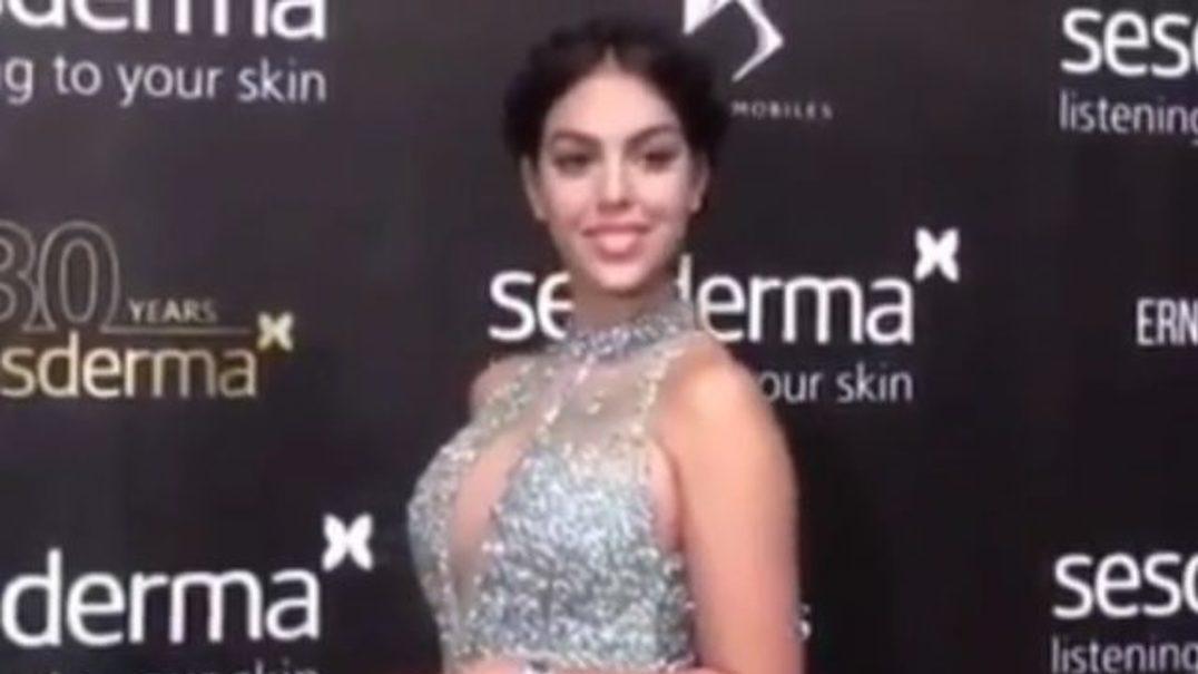 Georgina Rodríguez usa vestido sensual e muito elogiado em noite de gala