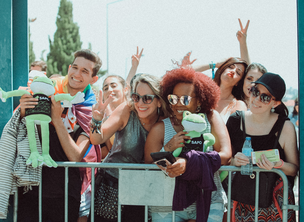 Rock in Rio: na primeira fila para Agir, Anitta, Demi Lovato e Bruno Mars
