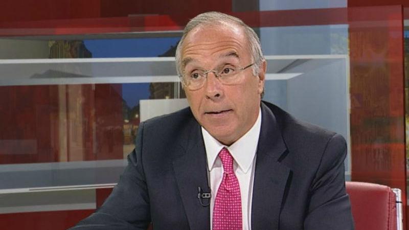 Marques Mendes: Governo está a demorar muito tempo a decidir sobre a TAP