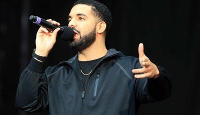 Fãs consideram nova tatuagem de Drake uma ofensa aos Beatles