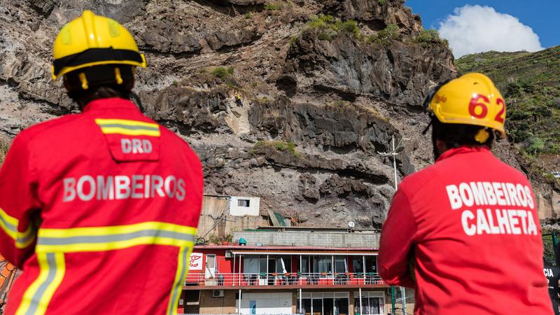 Governo anuncia aumento salarial de pelo menos 80 euros por mês para bombeiros
