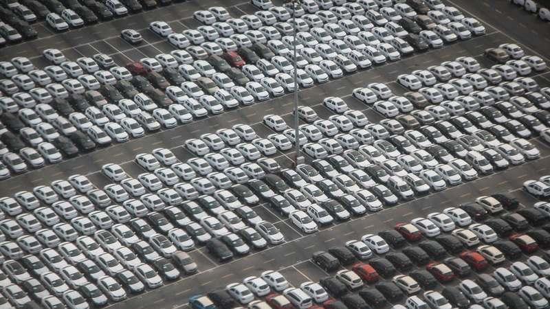 Vendas de automóveis ligeiros cresce 8,4% em 2018. 'Elétricos' em destaque