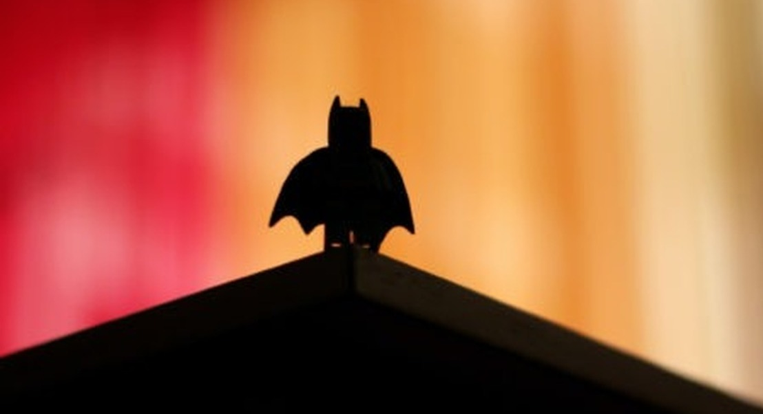 O que têm em comum a NASA e o Batman?