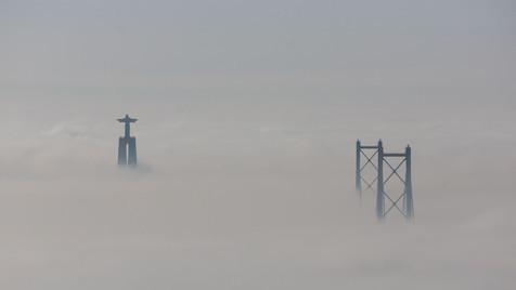 Manhã de nevoeiro em Lisboa