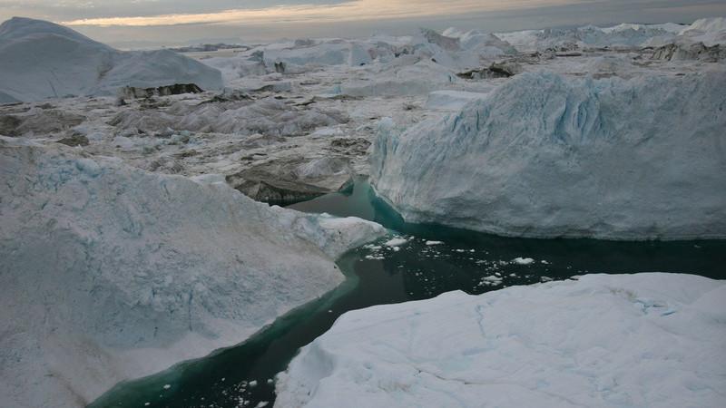 Descoberta cratera do tamanho de Paris sob o gelo da Gronelândia