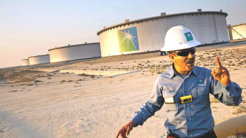 Saudi Aramco levanta 25,6 mil milhões de dólares em OPV histórica