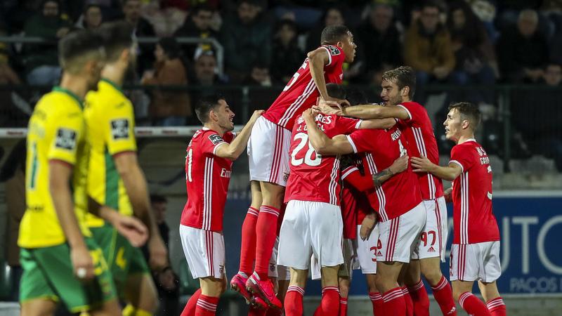 Paços de Ferreira 0-2 Benfica: Rafa angaria votos na Mata Real