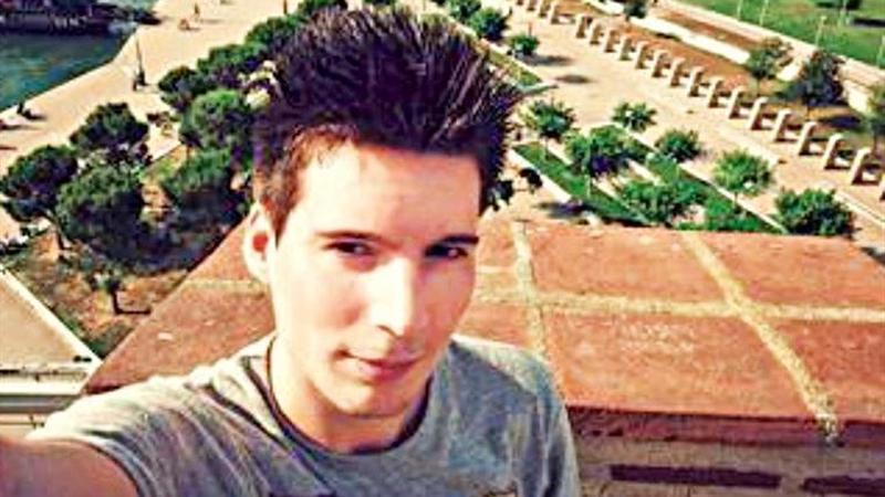 Caso dos emails. Autoridades húngaras revelam imagens da detenção do alegado hacker do Benfica