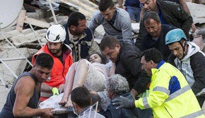 Sismo em Itália causa cenário de devastação e vários mortos