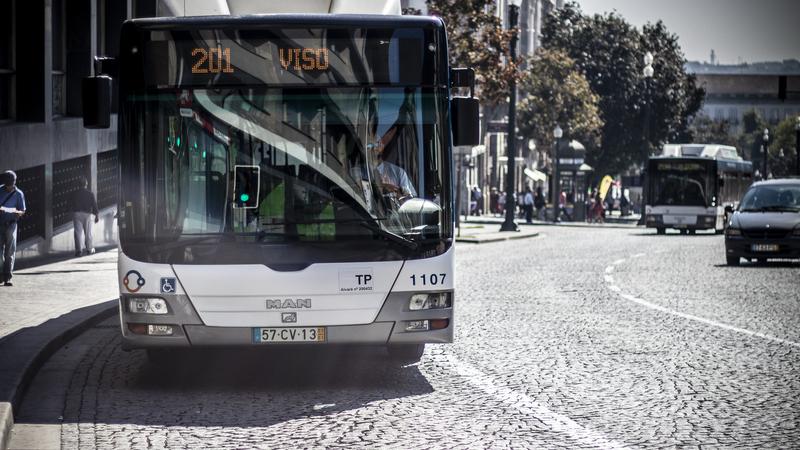 Utentes querem mais transportes públicos e passe intermodal em todo o país