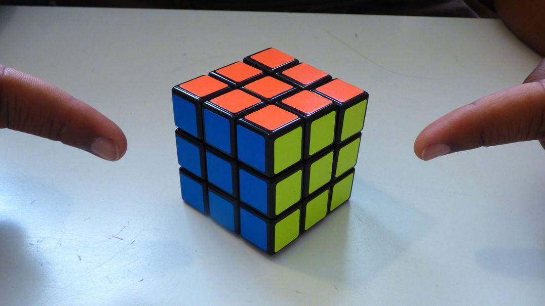 É bom a resolver um cubo mágico? Uma mão robótica aprendeu a tratar do assunto