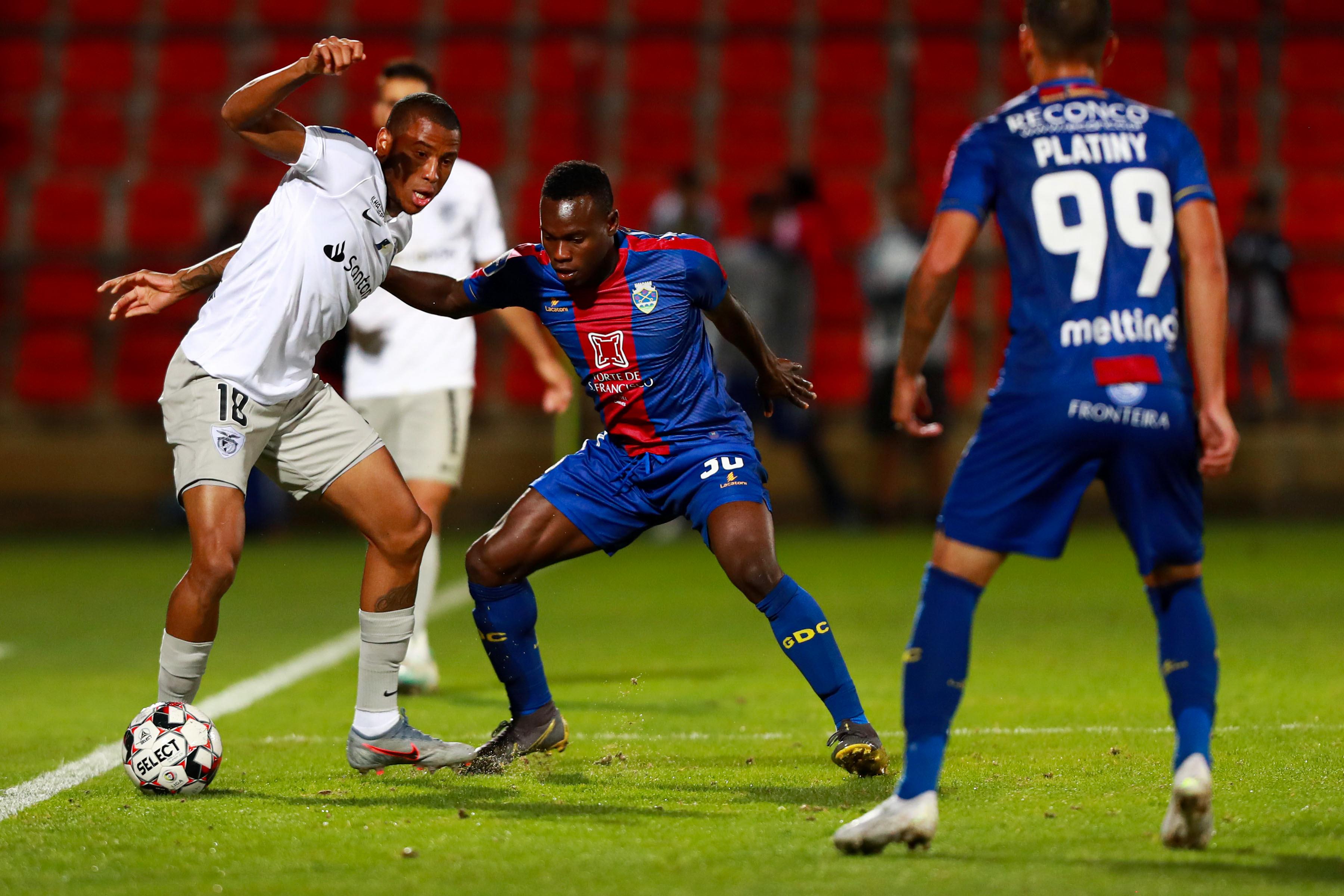 Covid-19: Desportivo de Chaves avança com 'lay-off' mas paga março na íntegra