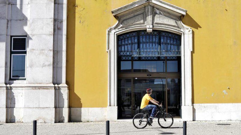 Sindicatos voltam ao Ministério das Finanças para discutir aumentos salariais na função pública