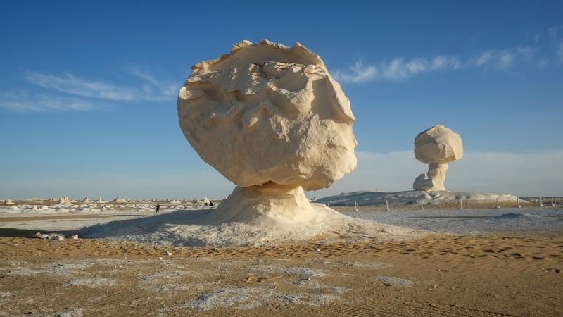 Neve no deserto? Estas formações rochosas no Egito podem confundir os turistas