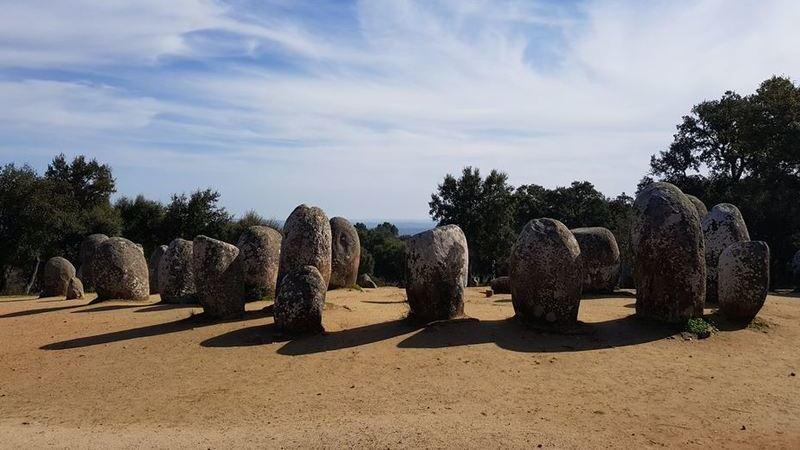 Viagem ao Neolítico: já conhece o Cromeleque dos Almendres?