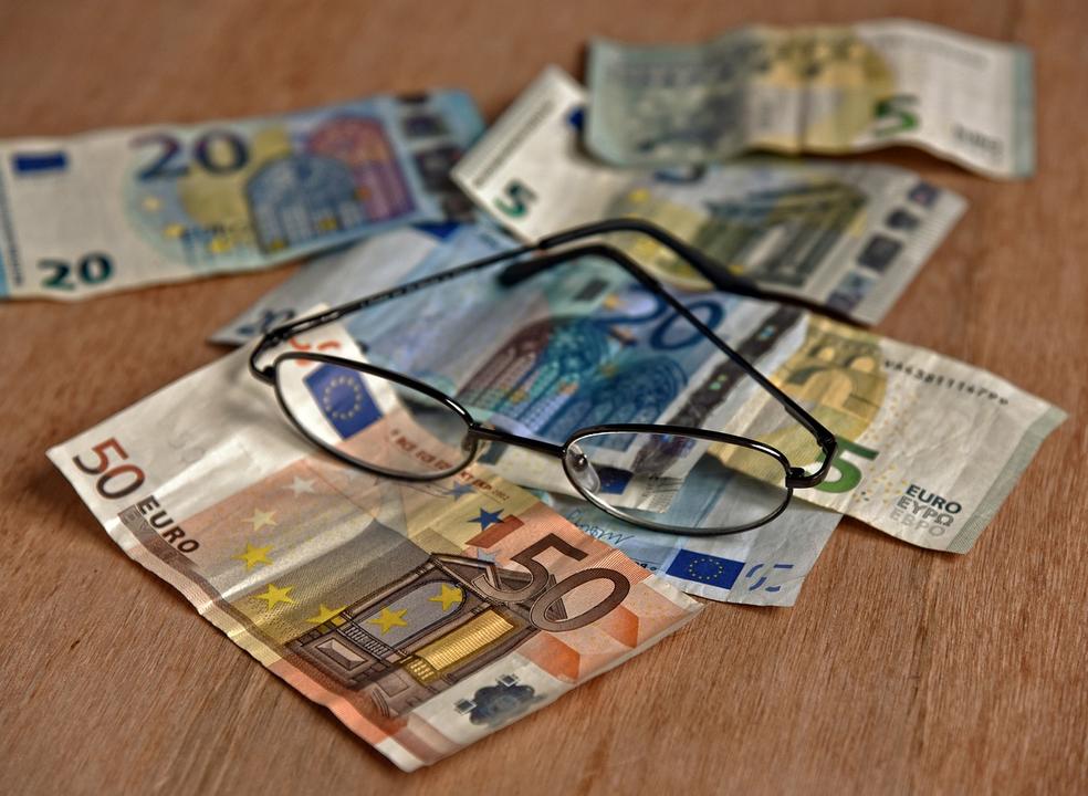 OCDE antevê novos sinais de desaceleração do crescimento económico na UE