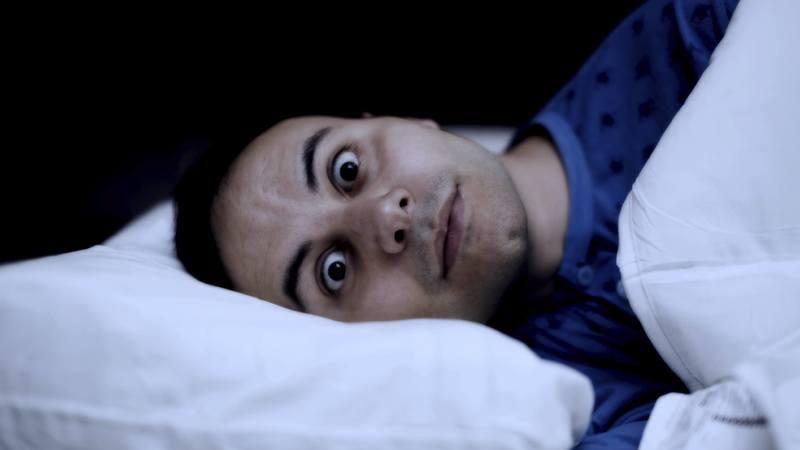 Trabalhar à noite faz mal aos intestinos. Cientistas portugueses descobriram porquê