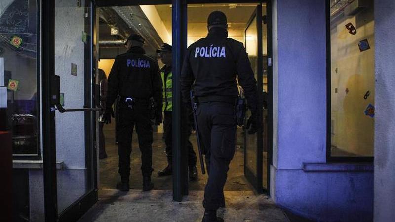Cinco pessoas detidas por assaltos a residências de idosos no Porto
