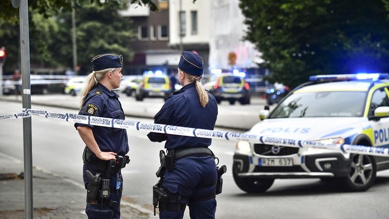 Tiroteio na Suécia: morreu um dos cinco feridos