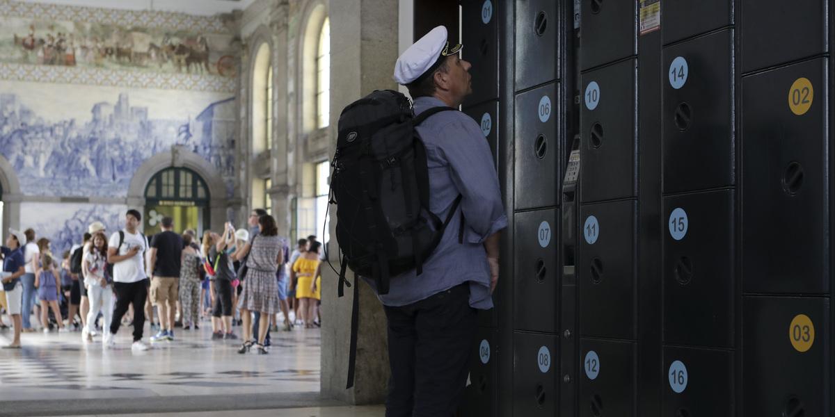 Porto invadido por 'lockers' para preencher lacuna no setor do alojamento local