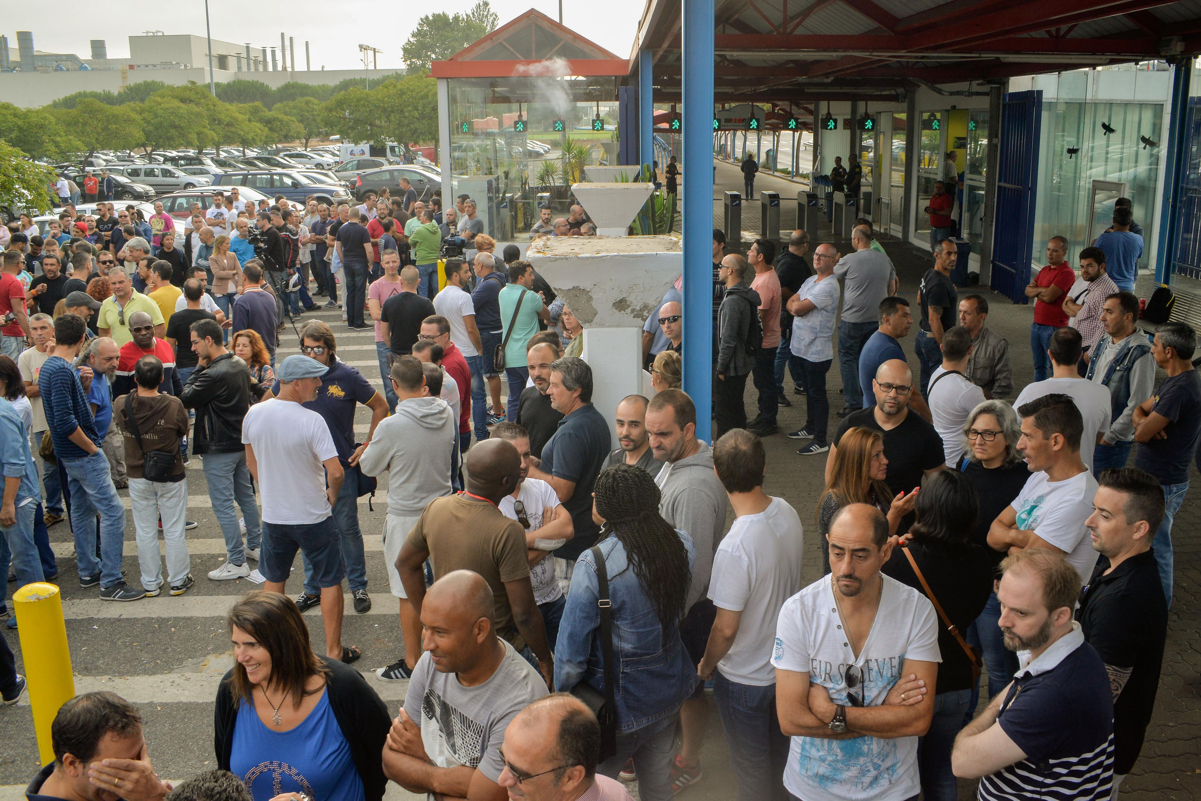 Trabalhadores e Autoeuropa chegam a pré-acordo sobre horários de trabalho