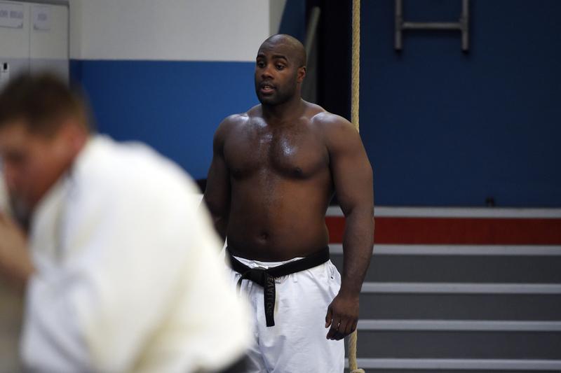 Campeão olímpico de judo dos +100 kg vai ser operado