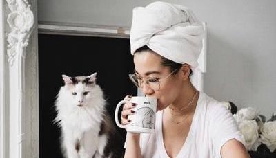 5 toalhas de cabelo que põem as toalhas básicas a um canto
