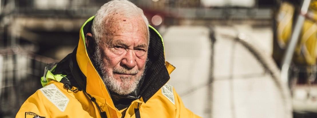 """Sozinho, num barco, sem nunca parar em terra. Sir Robin, o primeiro marinheiro a fazer a viagem que diziam """"impossível"""""""