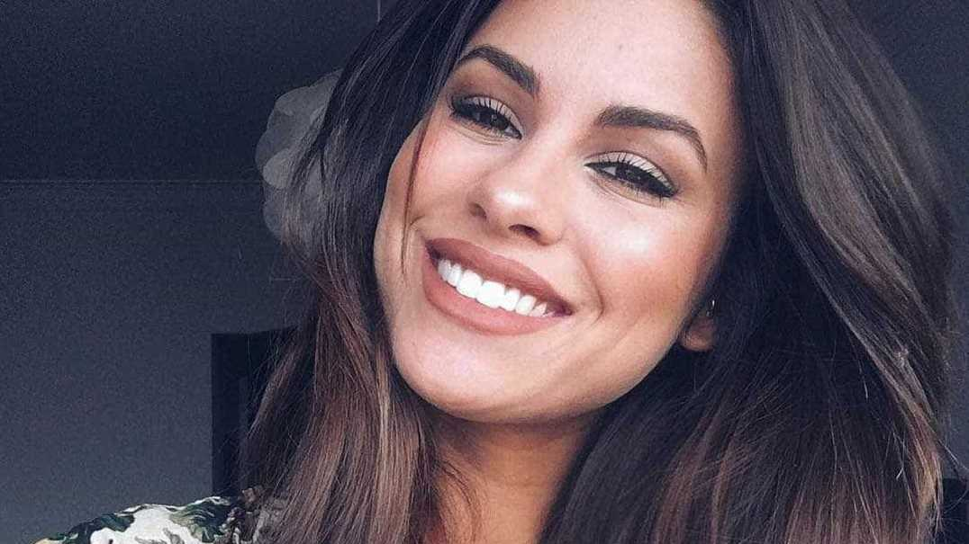 Carolina Loureiro posa seminua para Cristina Ferreira