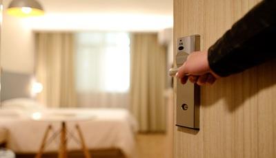 Os objetos mais roubados nos hotéis. Já levou consigo algum da lista?