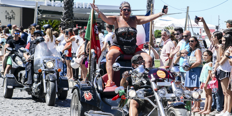 Faro. Um desfile que correu sobre rodas
