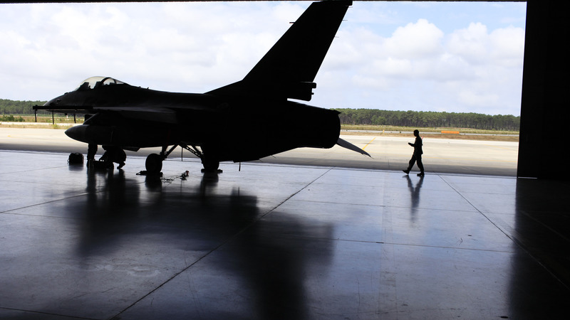 Capitão diz ter entregado dinheiro de esquema nas messes da Força Aérea a superiores