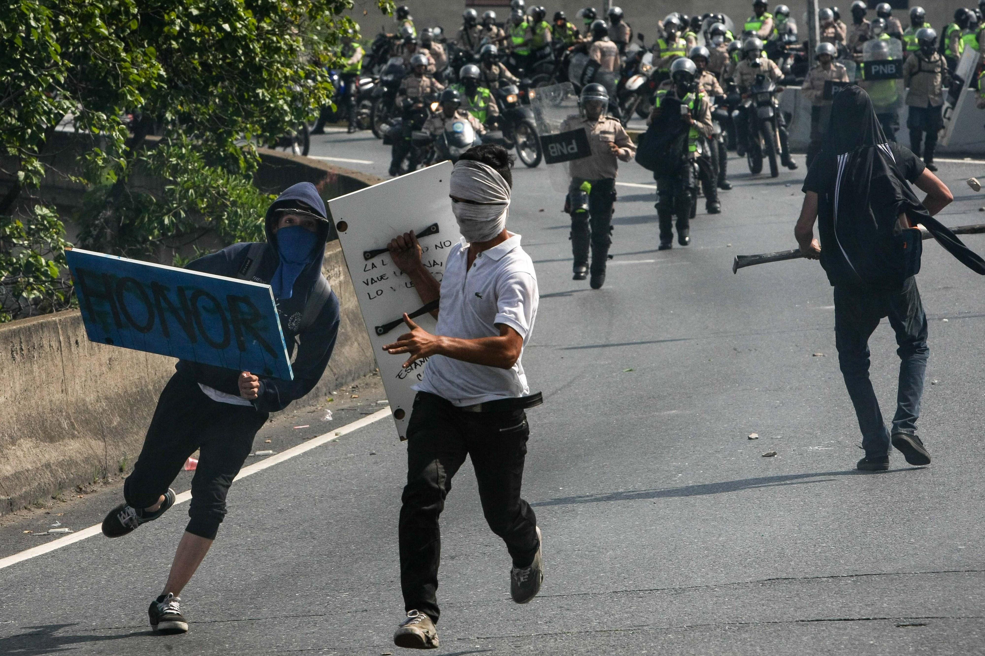 Ministério Público venezuelano confirma 26 mortos em protestos