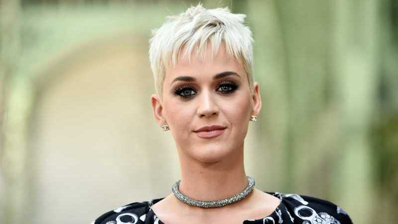 Katy Perry considerada a mulher mais bem paga no mundo da música