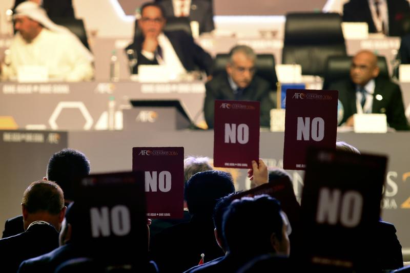 Protesto encerra congresso da confederação asiática em 20 minutos