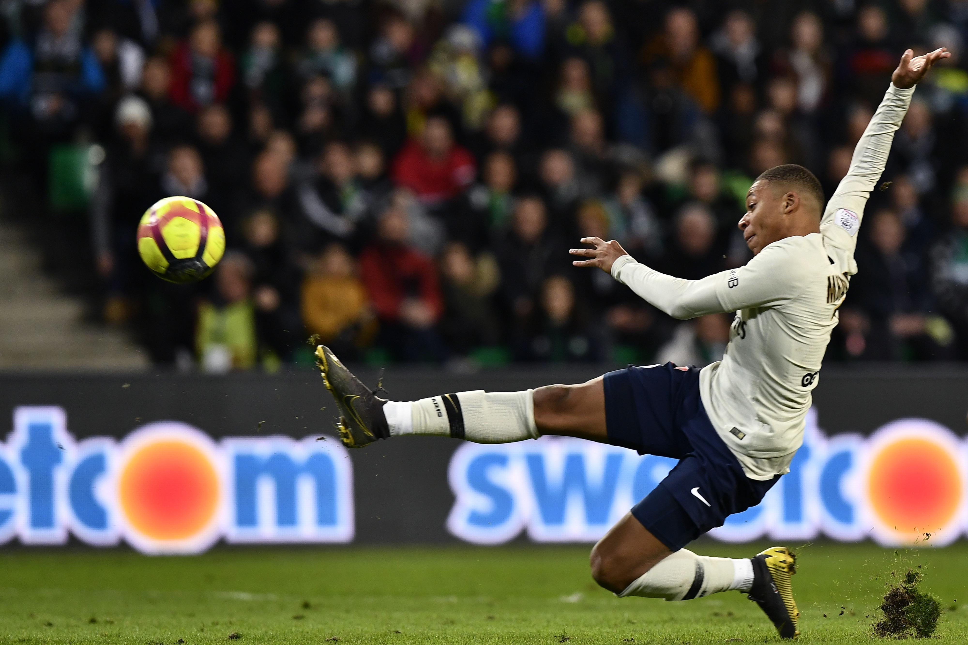 """PSG elogia """"instinto goleador"""" de Mbappé... e de Pauleta"""