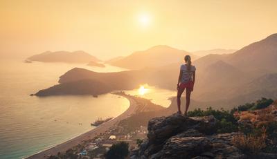 30 sítios onde o pôr do sol adquire tonalidades (quase) mágicas