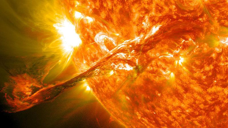 Detetado um aumento das erupções no Sol. Estará a Terra em perigo?