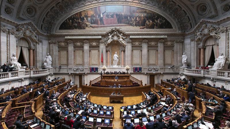 Governo apresenta proposta de lei para cuidador informal