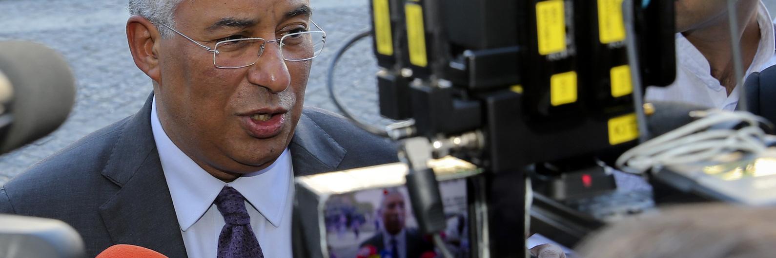 """Costa a caminho da """"tranquilidade"""" orçamental, promete 2,5% de défice à Comissão Europeia"""