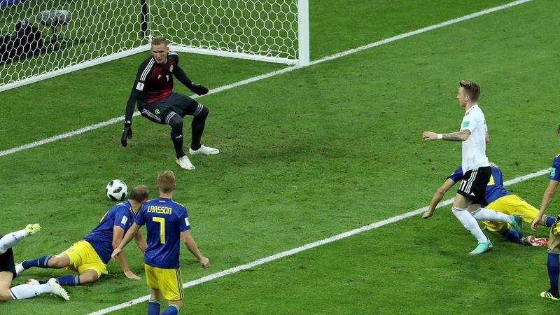 Mundial 2018: Toni Kroos relança candidatura da Alemanha com um 'arco triunfal' no último minuto