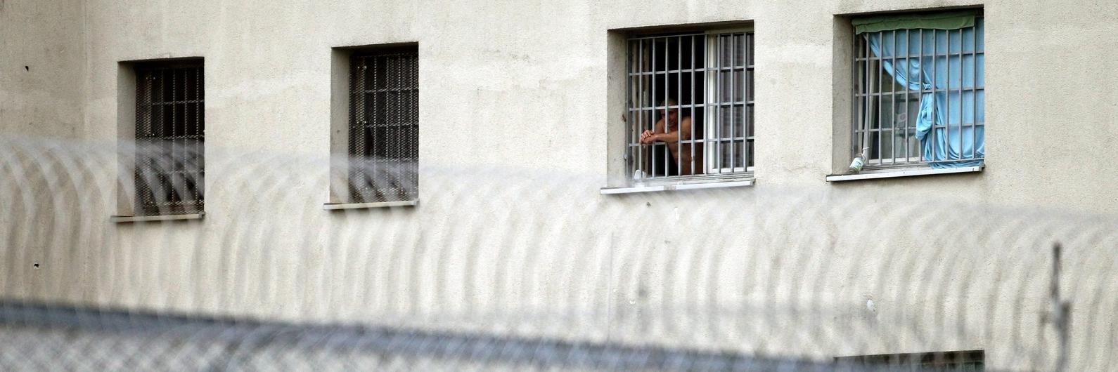 Capturados em Espanha dois dos três reclusos que fugiram de Caxias