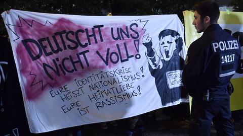 """O que representa a extrema direita no parlamento alemão? """"Uma vergonha"""" para alguns, um """"corte histórico"""" de certeza"""