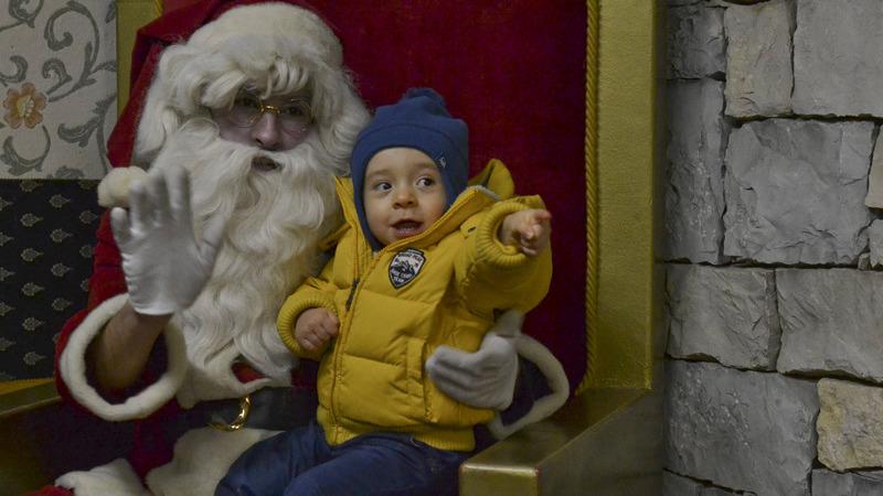 As renas falharam, mas o Pai Natal não ficou a pé e chegou num carro dos bombeiros ao Funchal