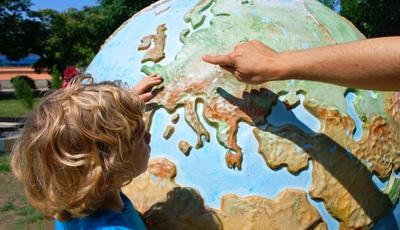 Vai viajar com crianças? 5 dicas que nunca lhe passaram pela cabeça
